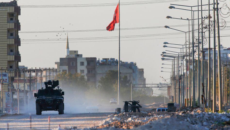 Ein türkisches Militärfahrzeug nahe der syrischen Grenze