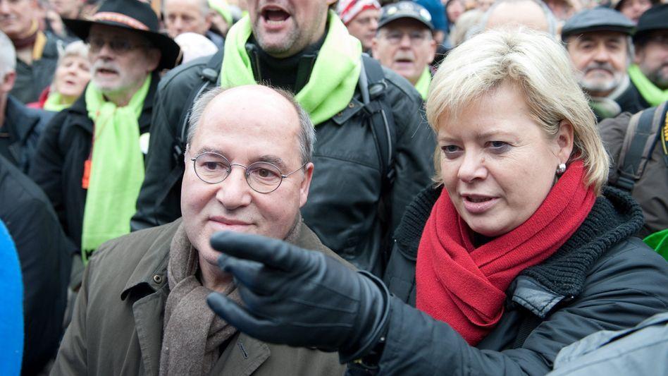 """Gysi (mit Lötzsch bei einer Stuttgart-21-Demonstration): """"Ich wäre vorsichtiger gewesen"""""""