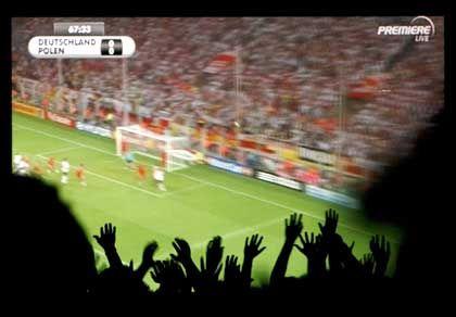 Fanjubel: Wegen Digital-TV mit vier bis sechs Sekunden Verzögerung