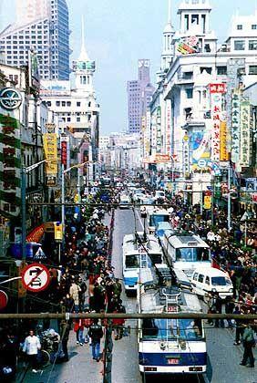 In den Straßen von Schanghai: Flusskrebse bis zum Abwinken