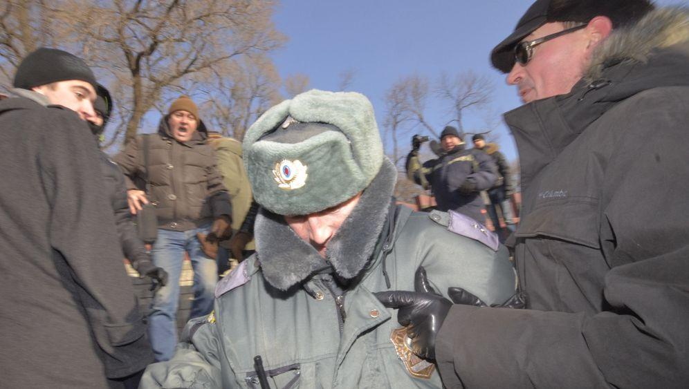 Demo in Russland: Zentausende gegen Putin