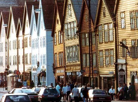 Bergen: Das Hafenviertel Bryggen mit seinen Speicherhäusern steht im Unesco-Weltkulturerbe-Liste