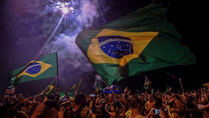 Brasilien hat gewählt: Zwischen Jubel und Fassungslosigkeit