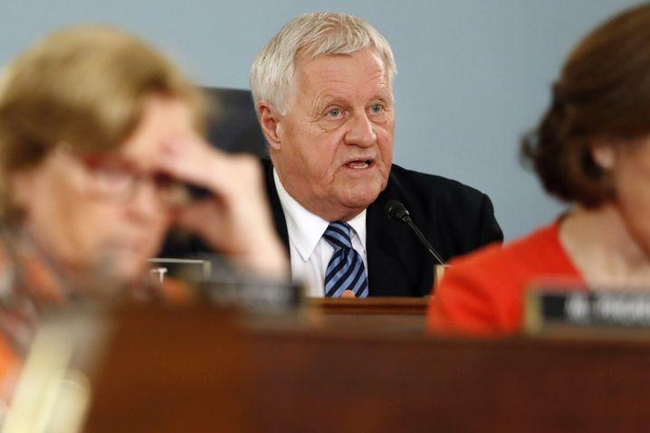 Bangt offenbar um seinen Sitz: Collin Peterson aus Minnesota sagt, seine Wähler interessiere das Impeachment nicht