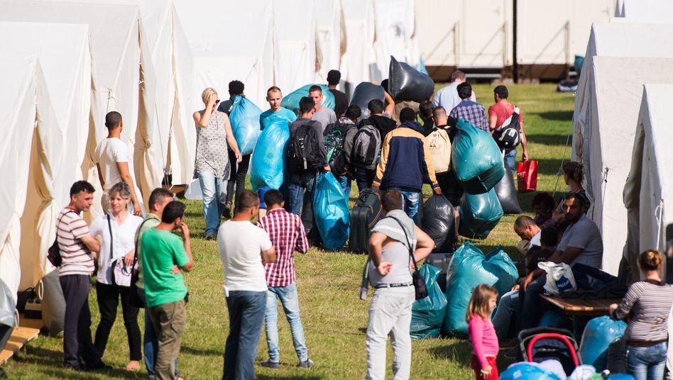 Provisorische Flüchtlingsunterkunft in Hamburg: Überfüllte Heime