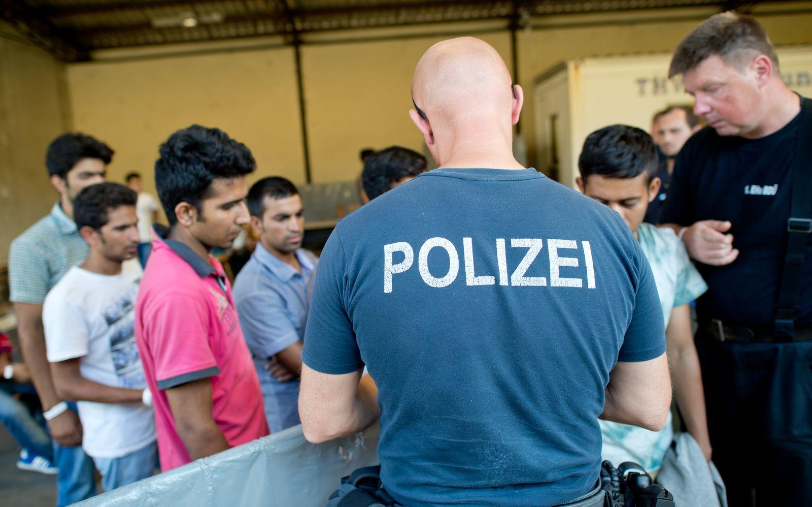 Flüchtlinge / Registrierungsstelle in Passau