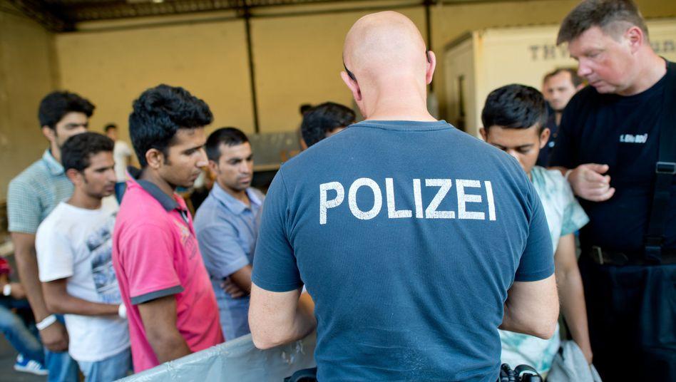 """Registrierung von Flüchtlingen (in Passau): """"Höchste Zeit, die fortgesetzte Kriminalisierung von Flüchtlingen zu beenden"""""""