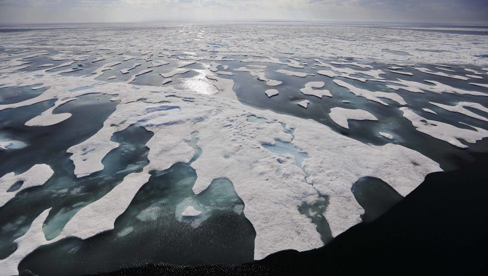 Schmelzendes Eis in der kanadischen Franklin Strait Meerenge