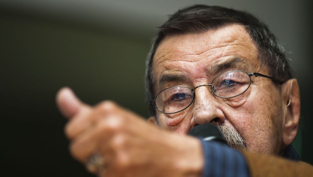"""Grass holt gegen Israel aus: """"Gealtert und mit letzter Tinte"""""""