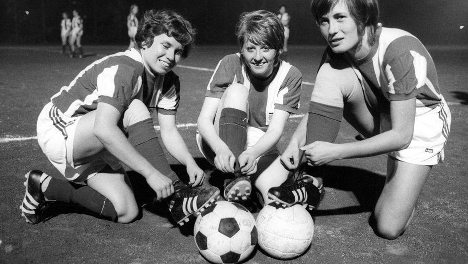 Gegen alle Widerstände: Frauenfußball beim FC Bayern München