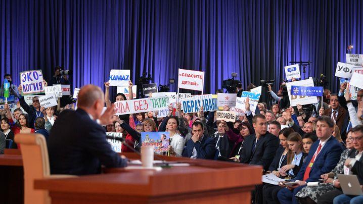 Pressekonferenz mit Putin: Buhlen um die Aufmerksamkeit des Präsidenten