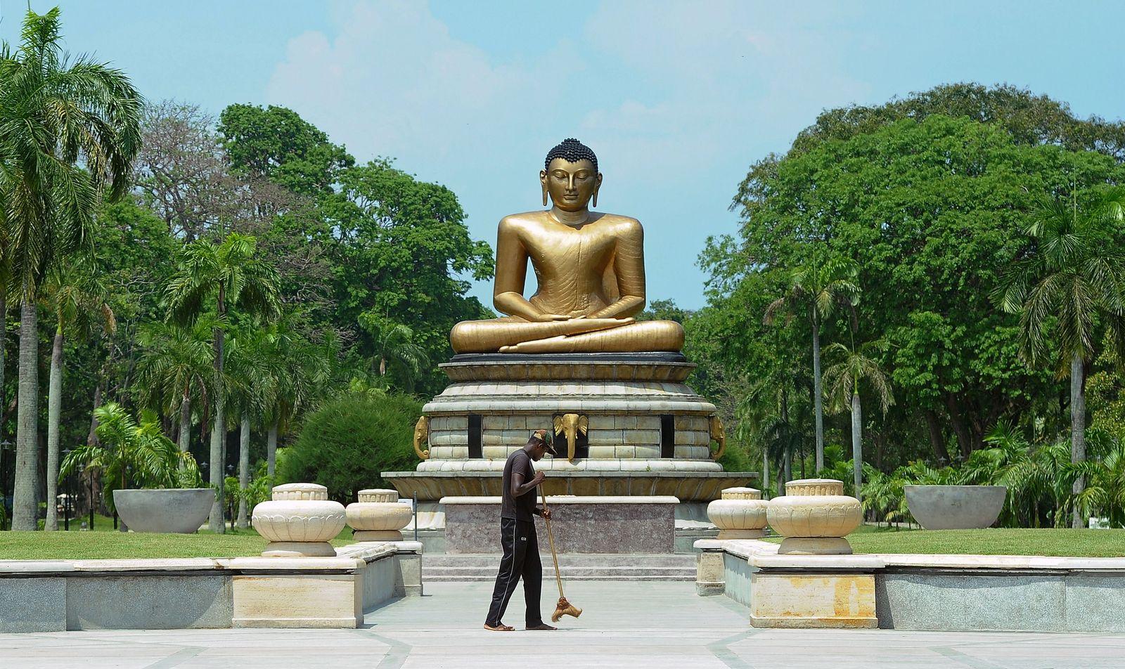 Sri Lanka/ Buddha-Statue