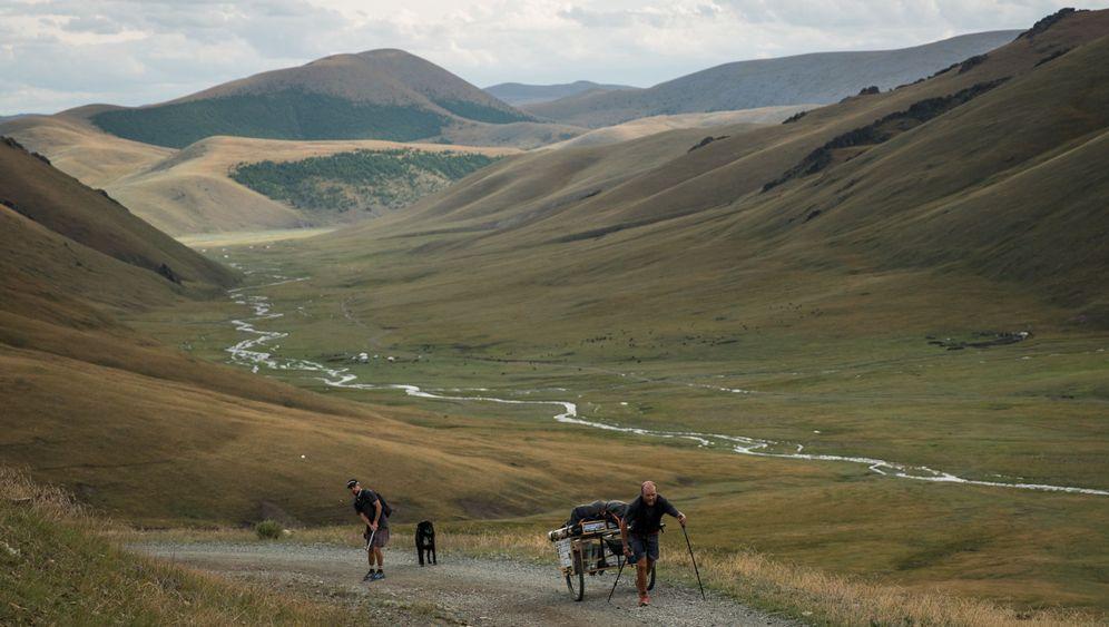 Längste Golfbahn: In 20.093 Schlägen durch die Mongolei