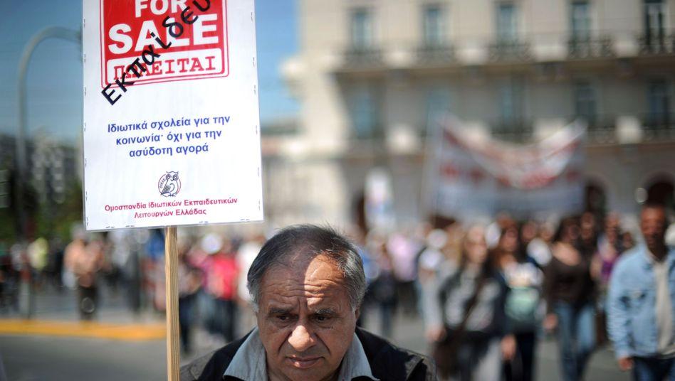 """Streikender Lehrer in Athen: """"Hat Frau Merkel das vergessen?"""""""