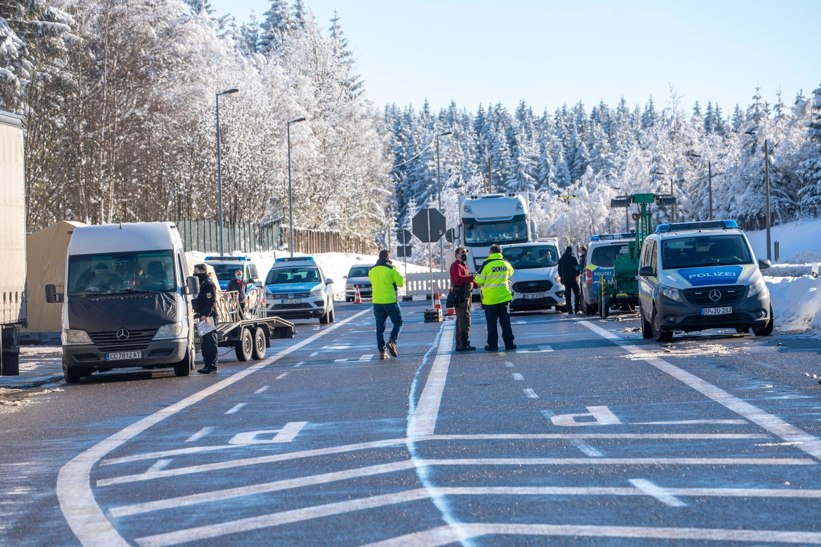210214 Grenze. Seit Sonntag 0 Uhr gelten in Deutschland verschärfte Grenzkontrollen. An nahezu jeden Grenzübergang zwisc