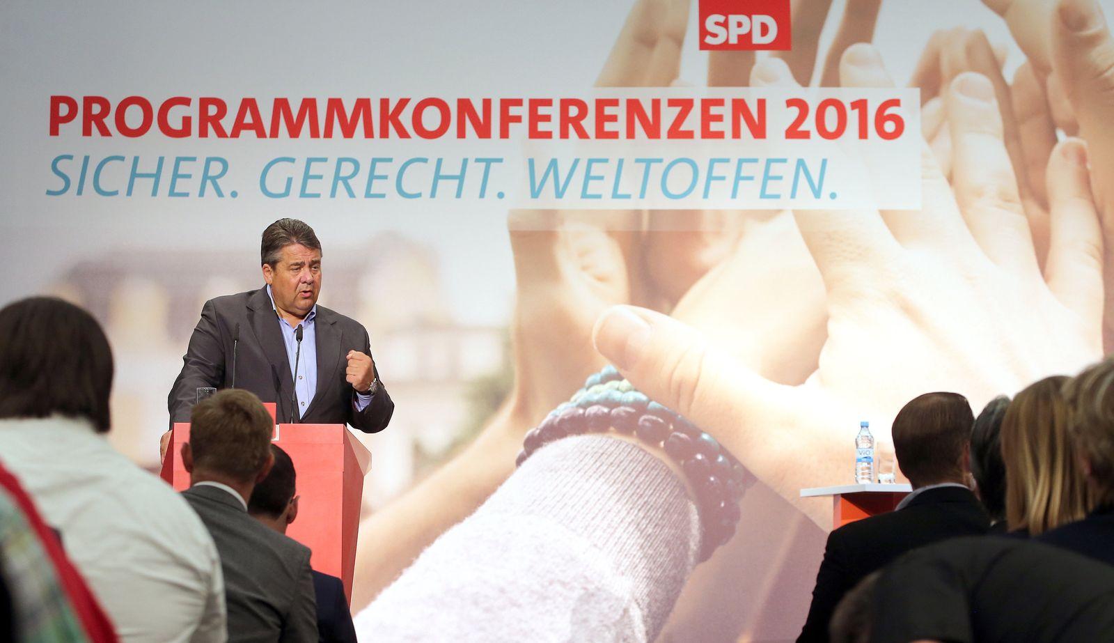 Gabriel/ SPD-Regionalkonferenz in Berlin