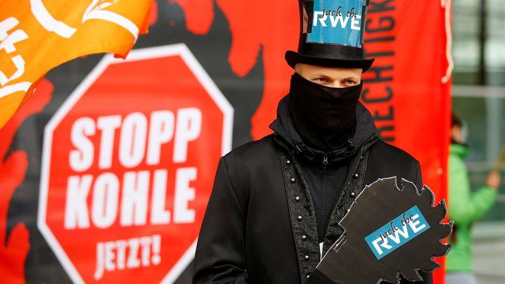 Proteste vor RWE-Versammlung: Umweltschützer fordern Aus für Kohleverstromung
