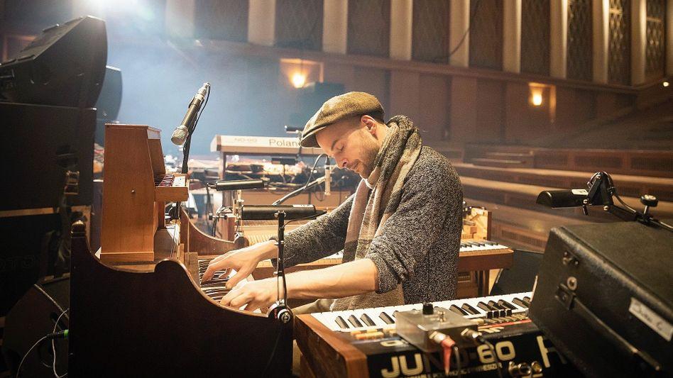 Komponist Frahm beim Soundcheck im Funkhaus Berlin: Seine Musik passt ins Berghain wie in die Elbphilharmonie