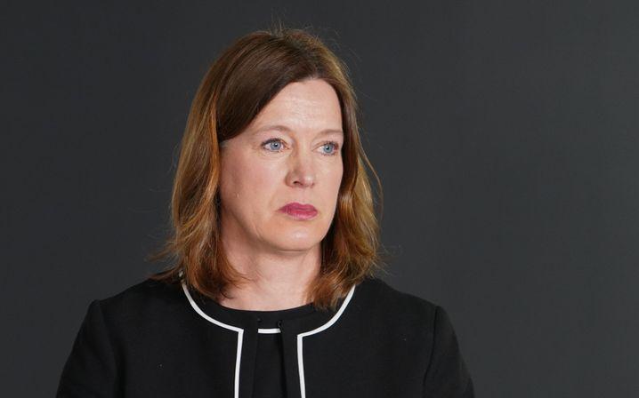 Schottlands ehemalige oberste Gesundheitsexpertin CatherineCalderwood: die Empfehlungen ihrer eigenen Behörde missachtet