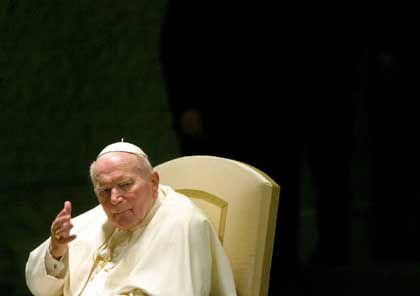Die Spekulationen über das Ende der Ära von Papst Johannes Paul II. häufen sich.