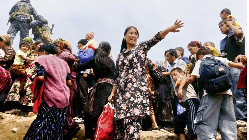 Unruhen in Kirgisien: Usbekistan schließt Grenze für Flüchtlinge
