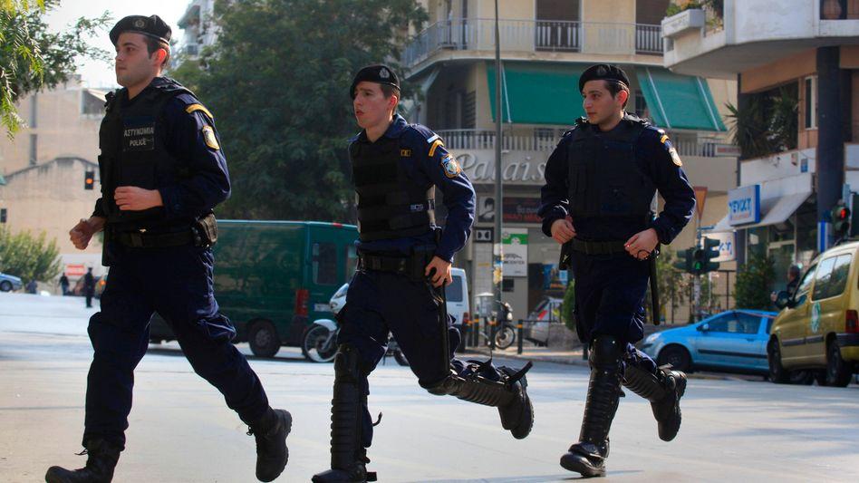 Sicherheitskräfte in Athen: Briefbombenserie hält Griechenland in Atem