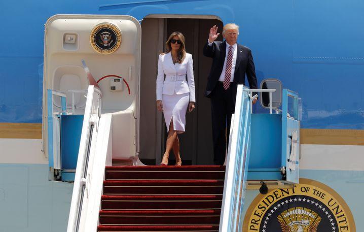 Donald und Melania Trump nach der Landung