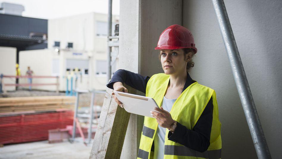 Frau in der Baubranche (Symbolbild)