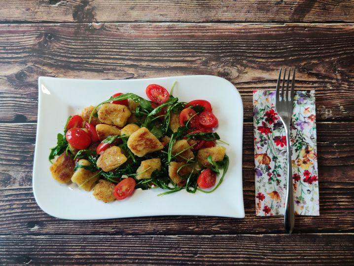 Liebe auf Italienisch: Gnocchi mit Rucola, Tomaten und Knoblauch