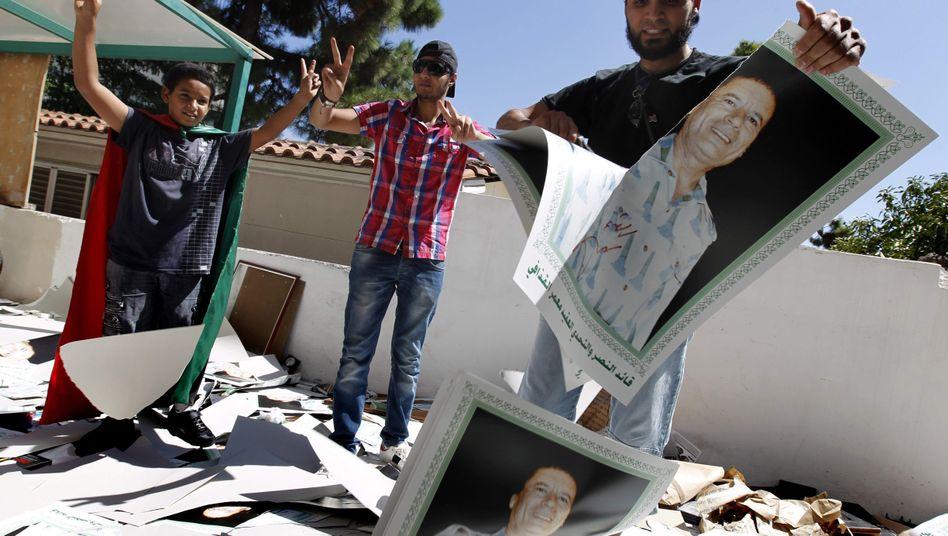 Proteste von Exil-Libyern gegen Gaddafi (in Athen am Montag): Hoffen auf den Neuanfang