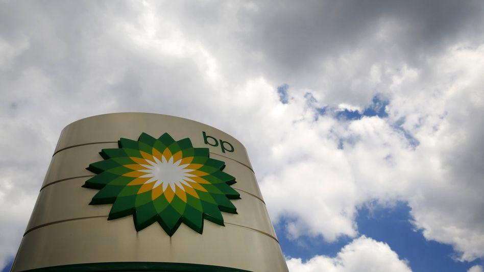 BP-Logo (an einer Tankstelle in London): 6,5 Milliarden Dollar Verlust
