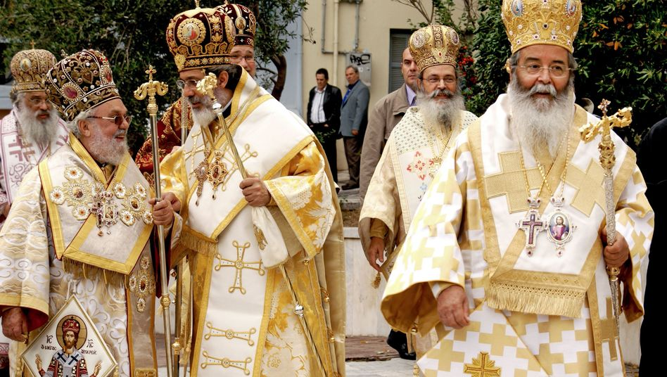 """A procession of Greek clergymen in Thessaloniki: """"A holy bond between the Greek people and their Church"""""""