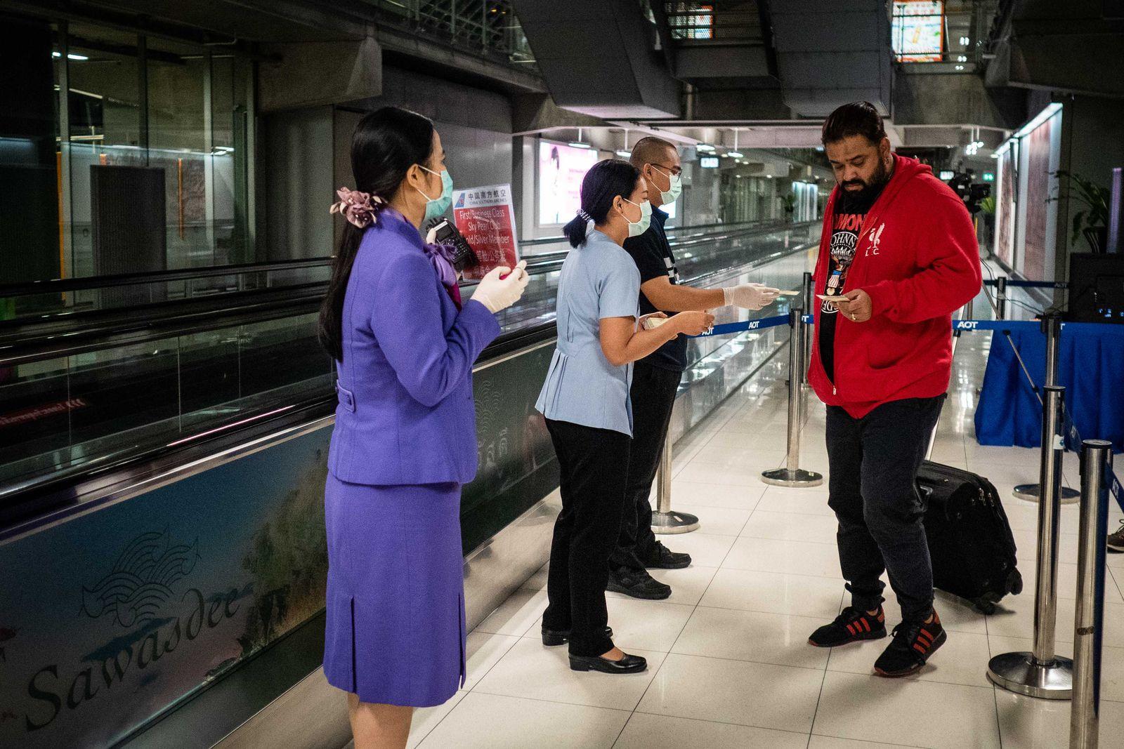 Health Screenings In Bangkok For China's Wuhan Pneumonia