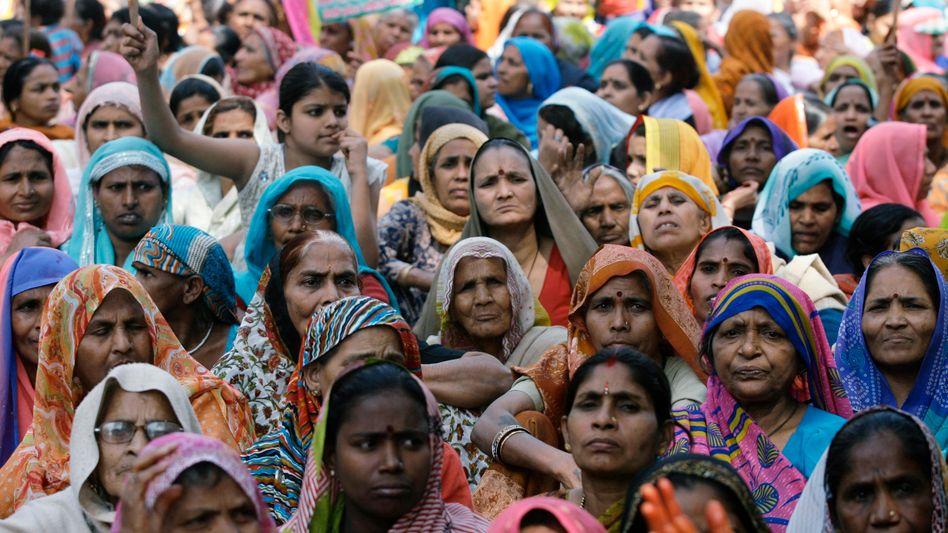 Protestierende Inderinnen am Weltfrauentag 2010: Mädchen unerwünscht