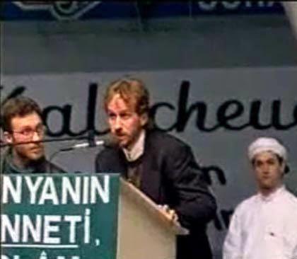 """Abu Bakr Rieger spricht vor Kalifats-Anhängern: """"Ich wollte radikal erscheinen"""""""