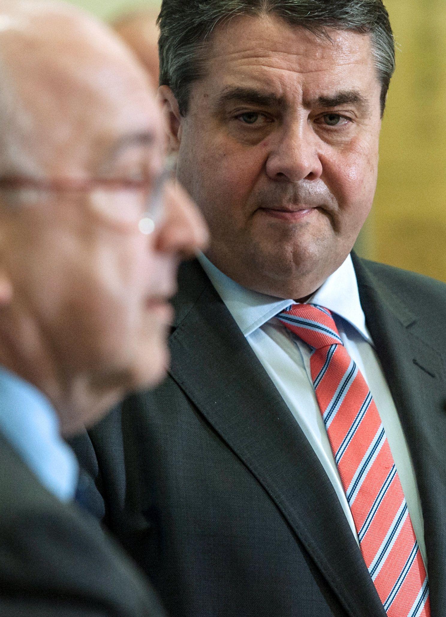 Gabriel empfängt EU-Kommissar Almunia