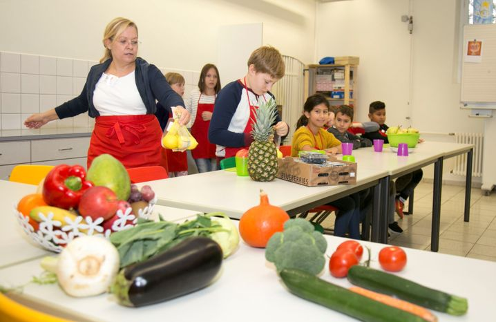 """""""Lidl-Fruchtschule"""" mit Grundschülern"""