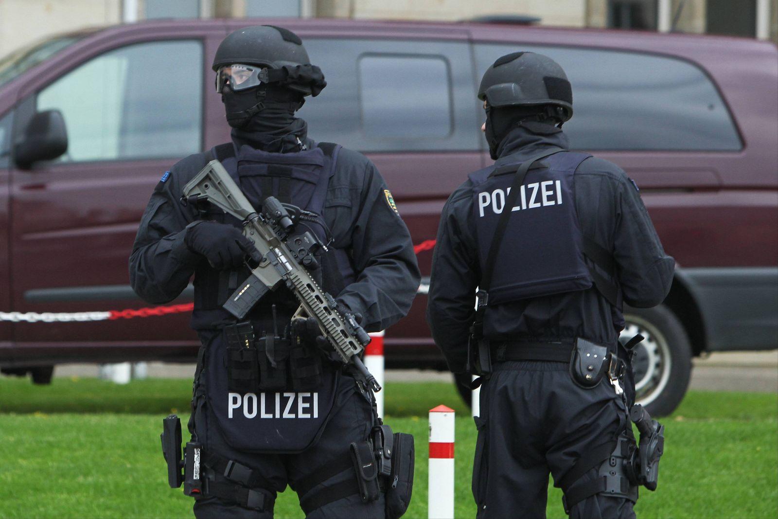 EINMALIGE VERWENDUNG Polizei / Leipzig