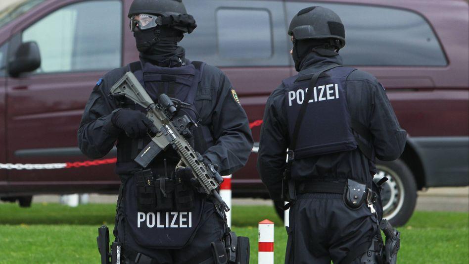 Polizisten in Leipzig (Archivbild von April 2017)