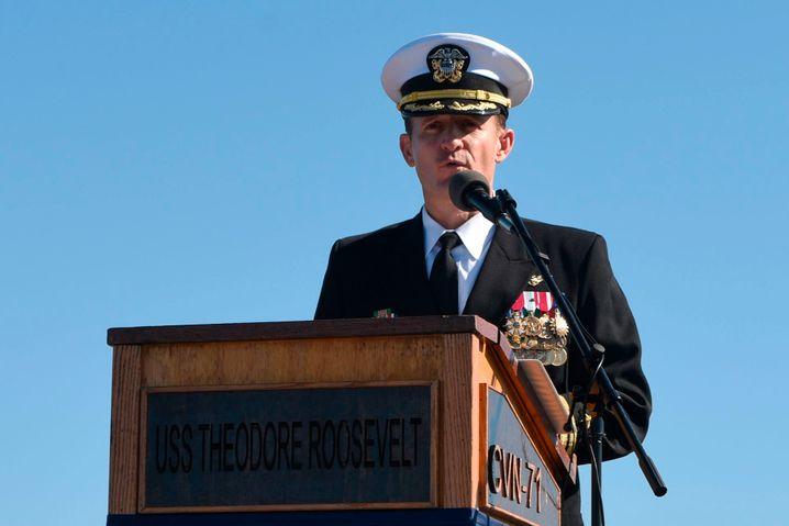Kapitän Brett Crozier (Archivbild): Nachtreten des zuständigen Ministers sorgt für Verstimmung