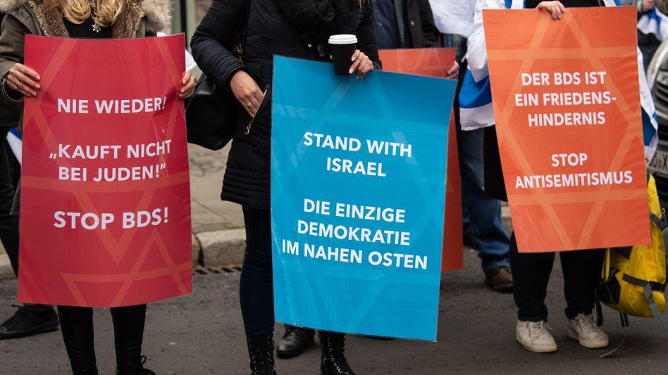 """""""Kein Frieden mit den Feinden Israels"""": BDS-Gegner in Göttingen"""