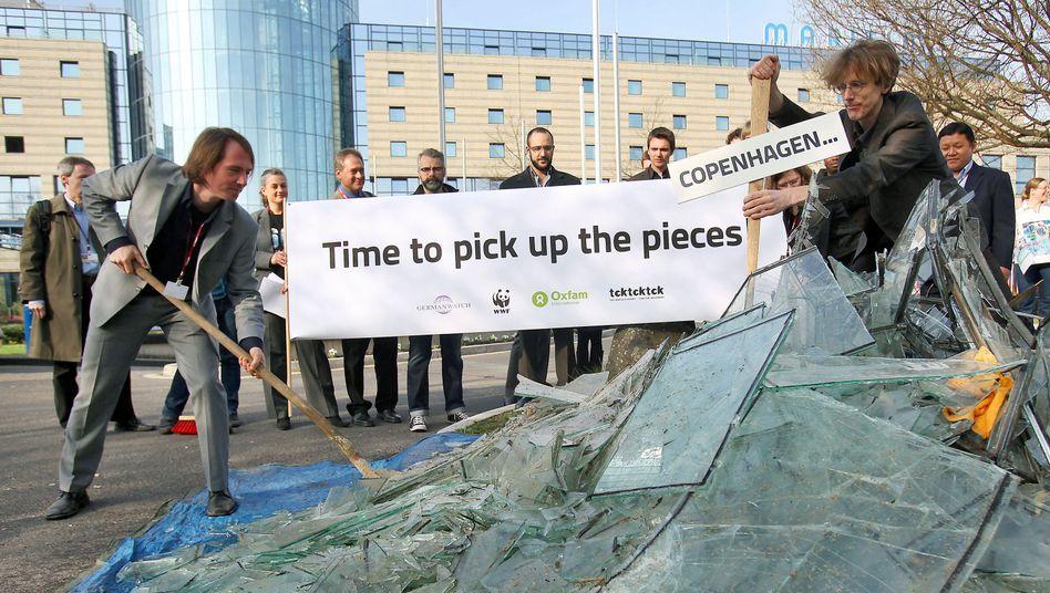 """Umweltaktivisten in Bonn (9. April): """"Zeit, die Scherben von Kopenhagen aufzusammeln"""""""