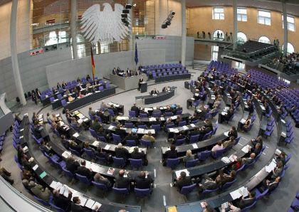 Plenarsaal des Bundestages: Die Diäten sollen steigen