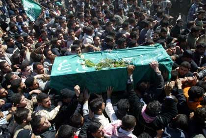 Gaza: Trauerzug mit Jassins Sarg