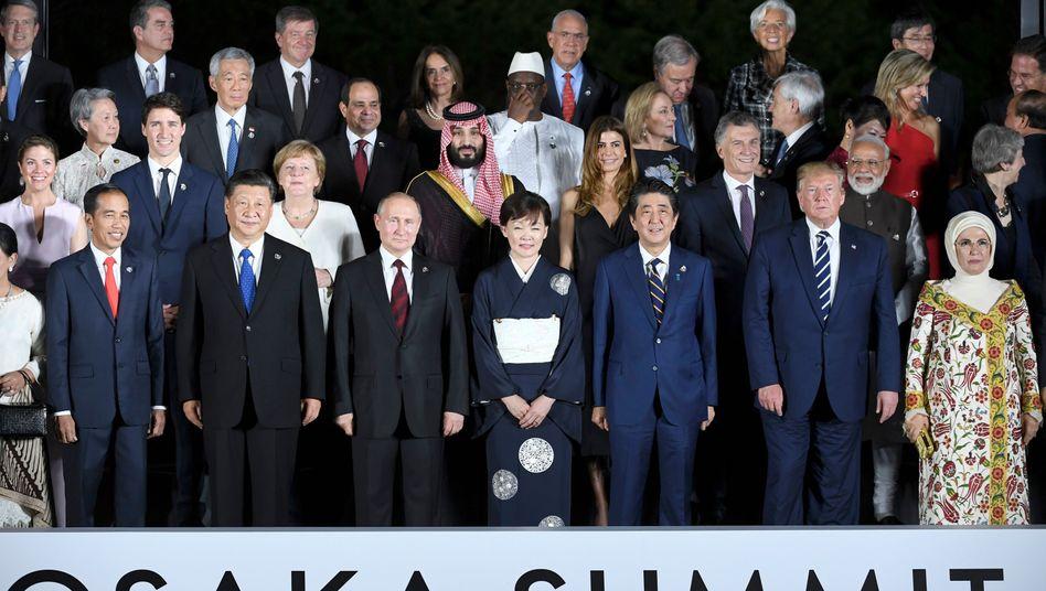 Staats- und Regierungschefs: Auch Egomanen und Autokraten sitzen am Verhandlungstisch.