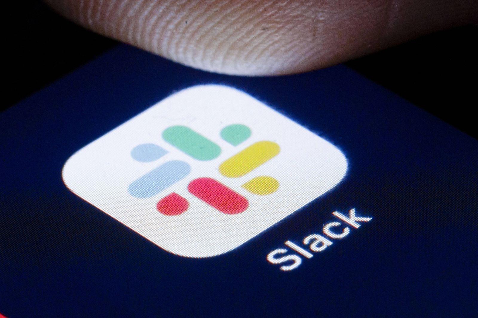 Das Logo des Instant Messaging Dienst Slack ist auf dem Display eines Smartphone zu sehen. Berlin, 22.04.2020. Berlin D