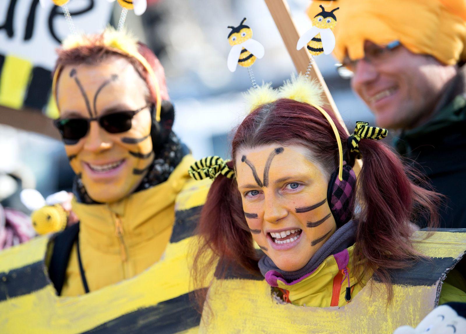 """Volksbegehren """"Rettet die Bienen"""" / Demo"""