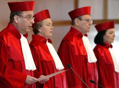Erster Senat des Bundesverfassungsgerichts bei der Urteilsverkündung: Mit Liebe zum Detail zerpflückt