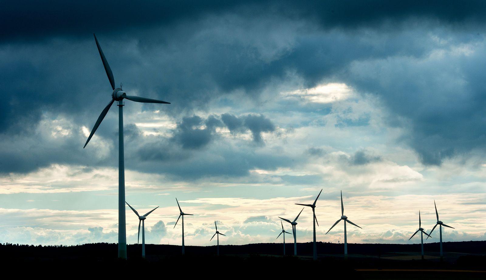 Windenergie / Strom / Windrad / Erneuerbare-Energien