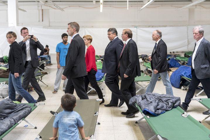 SPD-Mann Gabriel: Pritschen im ehemaligen Baumarkt